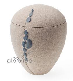 U3153 Sand urn with shore pebbles